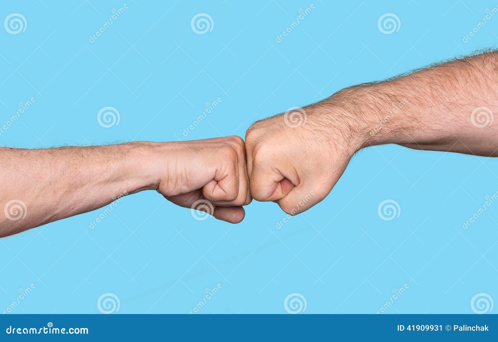 2 люд bumping кулаки