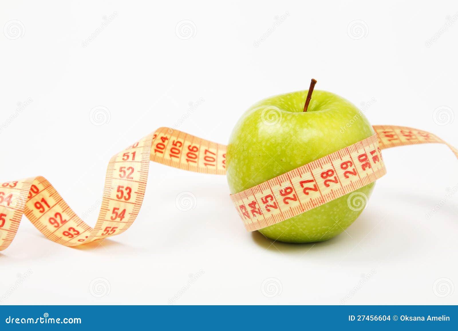 Яблоко и лента измерения