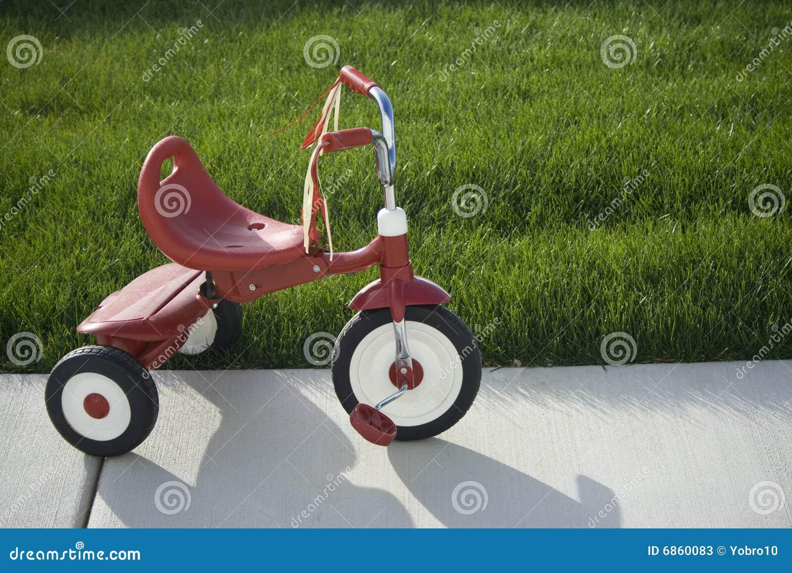 ягнит трицикл
