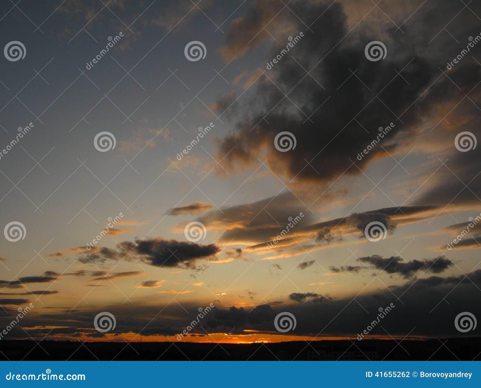 яркие облака темные