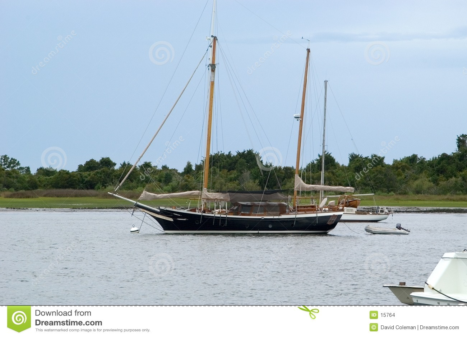яхта гавани