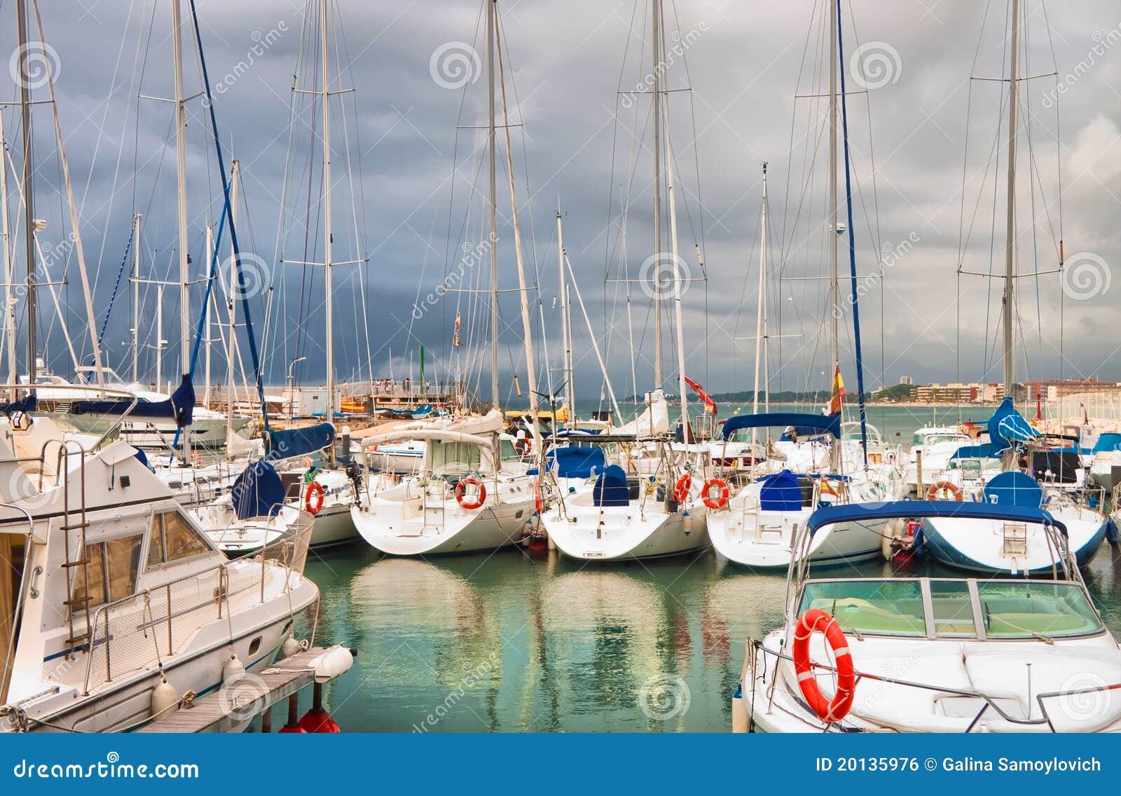 яхта клуба