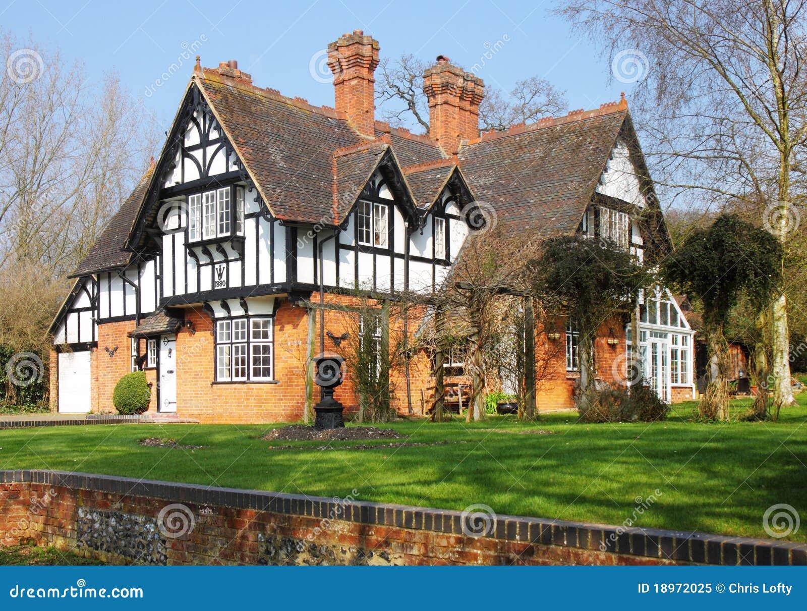 英国木屋农村木材图片