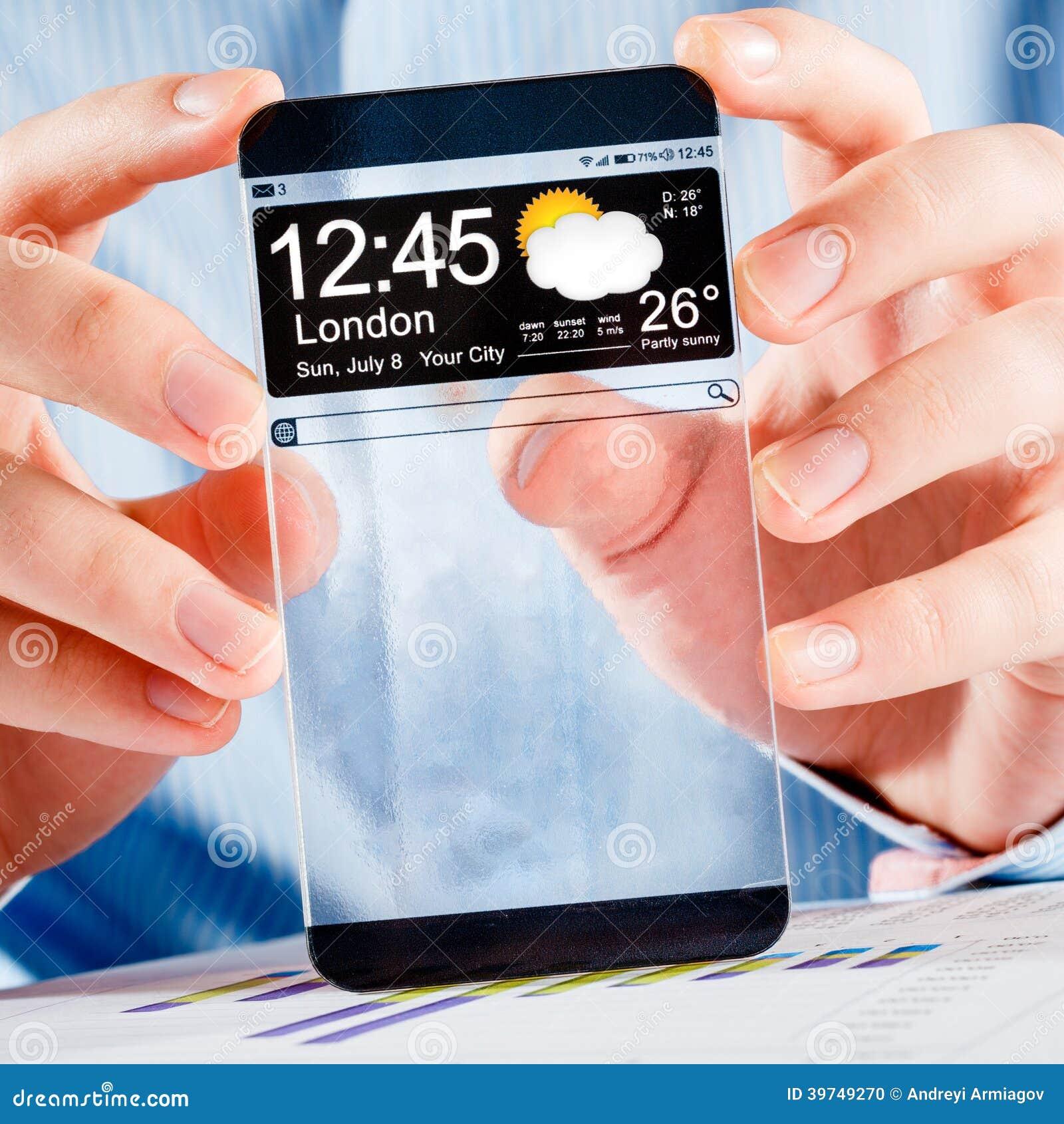 未来派巧妙的电话(拷贝空间显示)有透明显示的在人