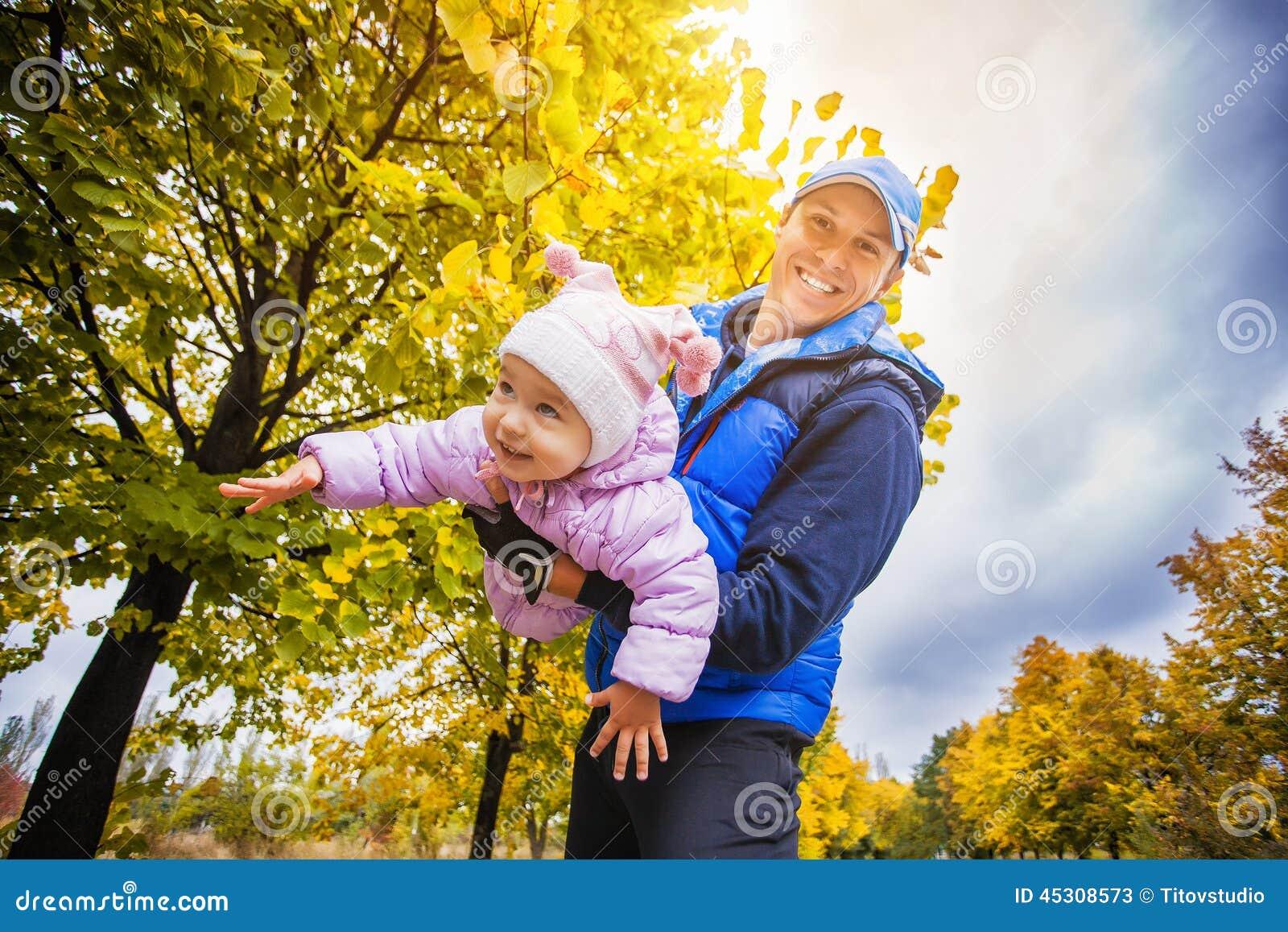 幼儿秋季图片