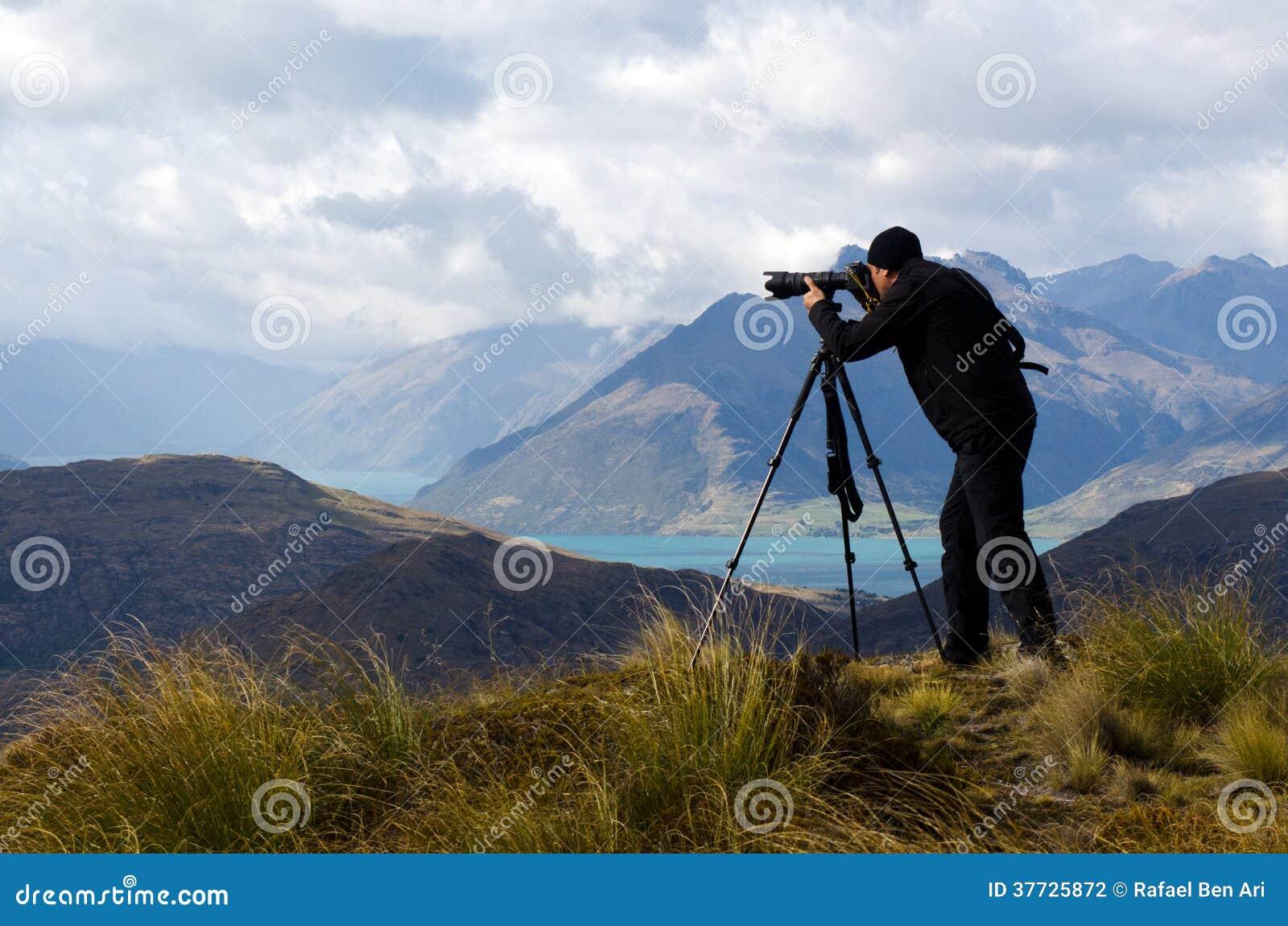 拍摄风景的地点和自然摄影师的(人)专家室外