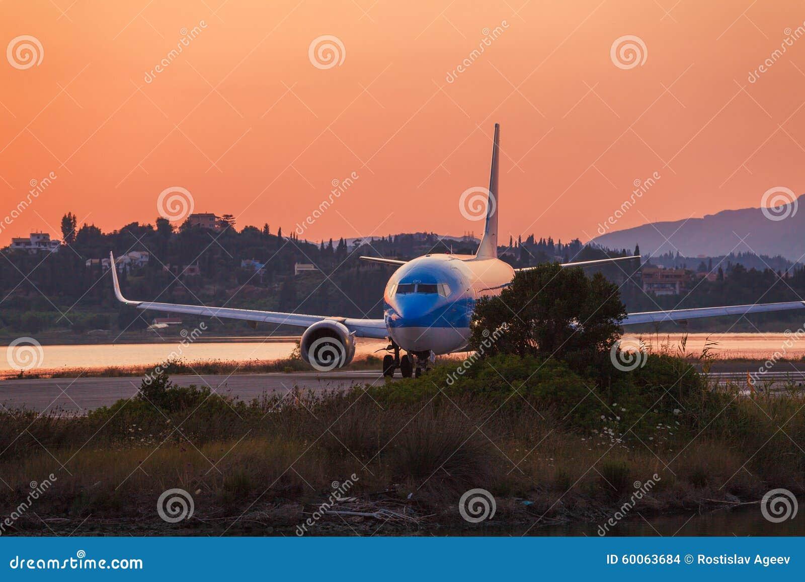 在起飞前的飞机,场面,科孚岛