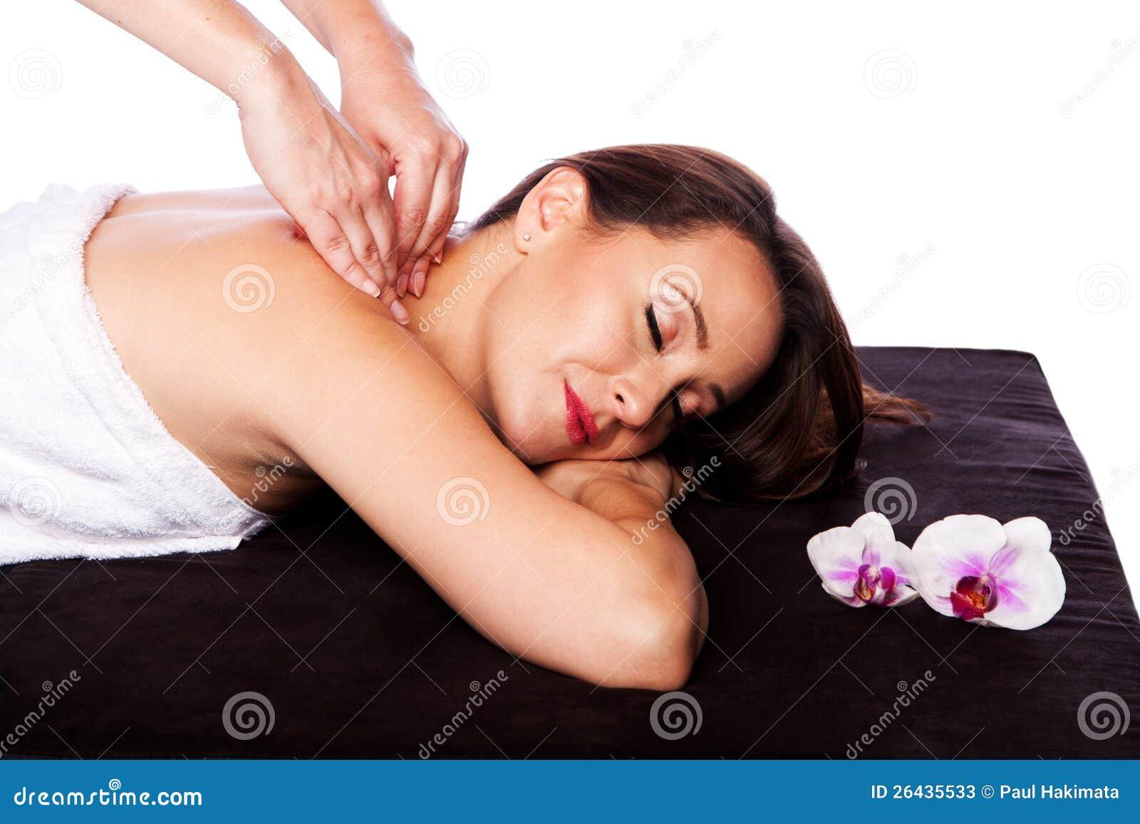 在温泉的松弛脖子肩膀按摩