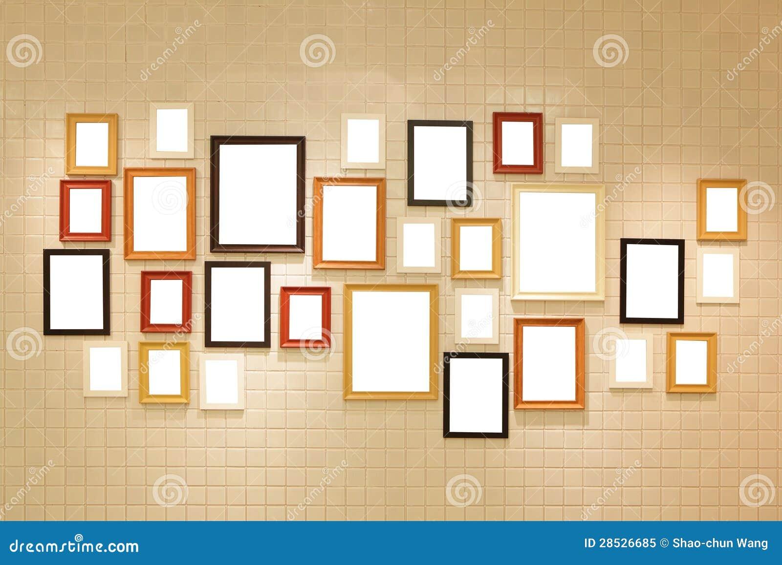 照片在墙壁上的美术画廊图片