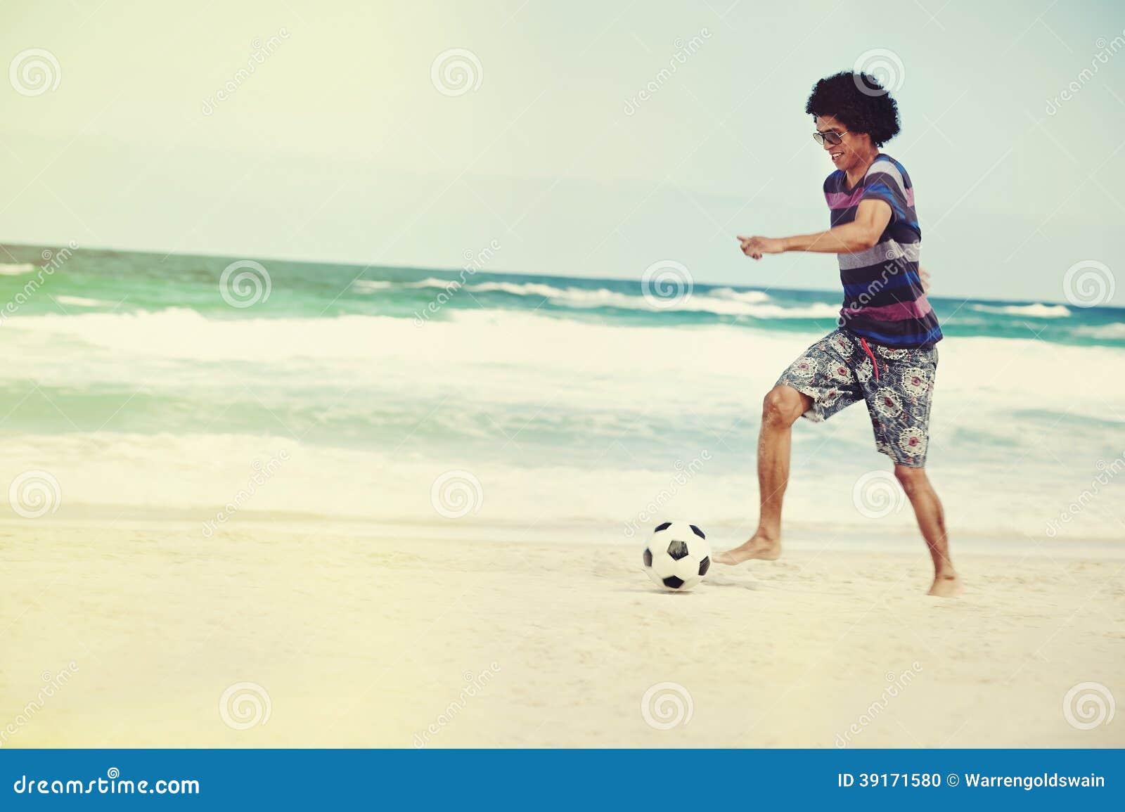 足球技巧海滩图片