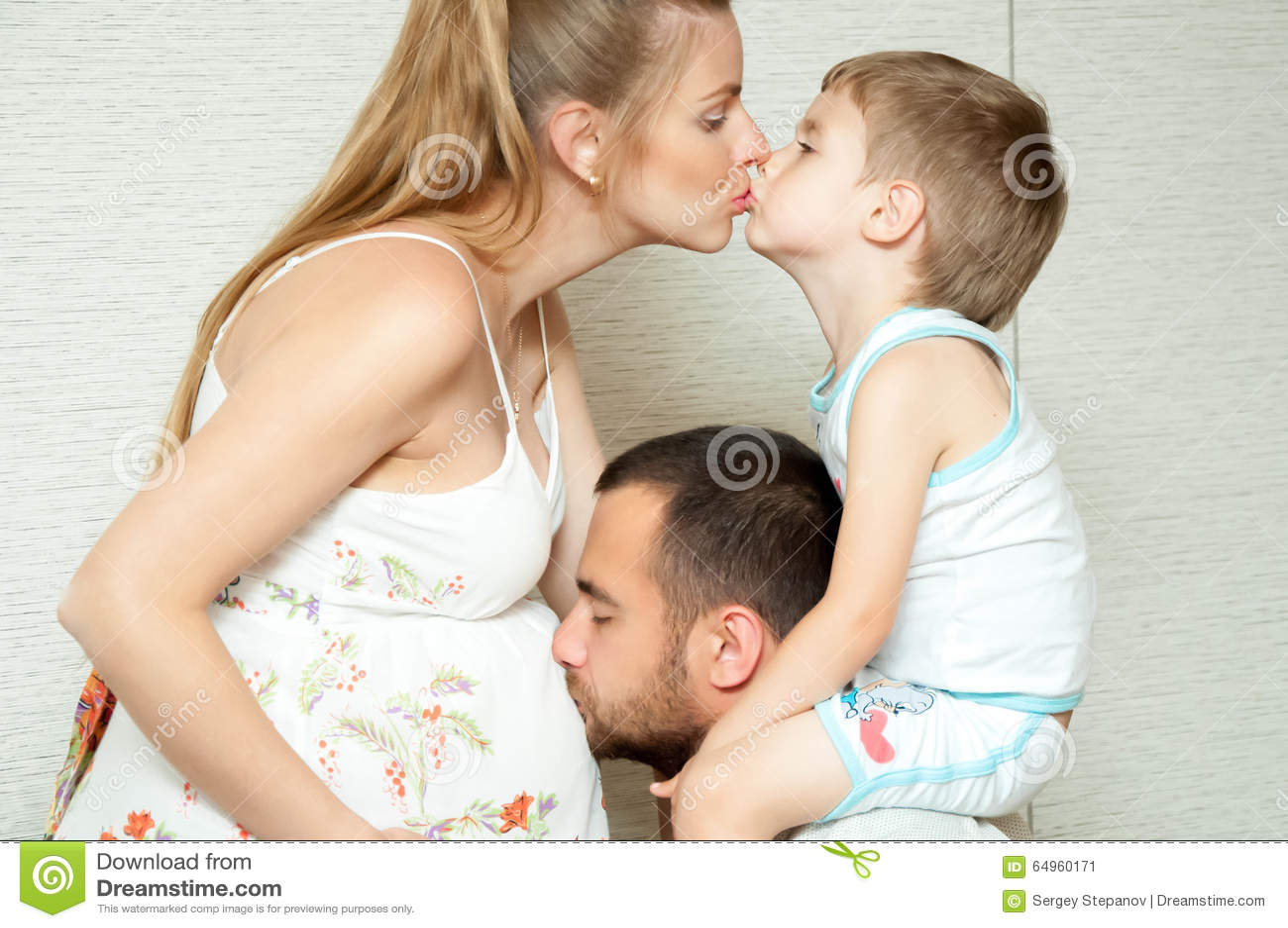 Беременная мама сыну сосет 54