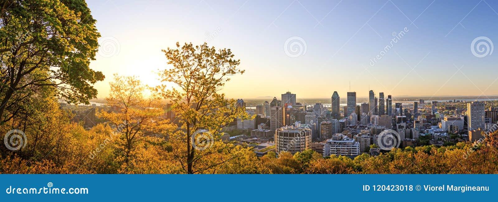 € «21-ое мая 2018 Монреаля, Канады Красивый золотой восход солнца сверх