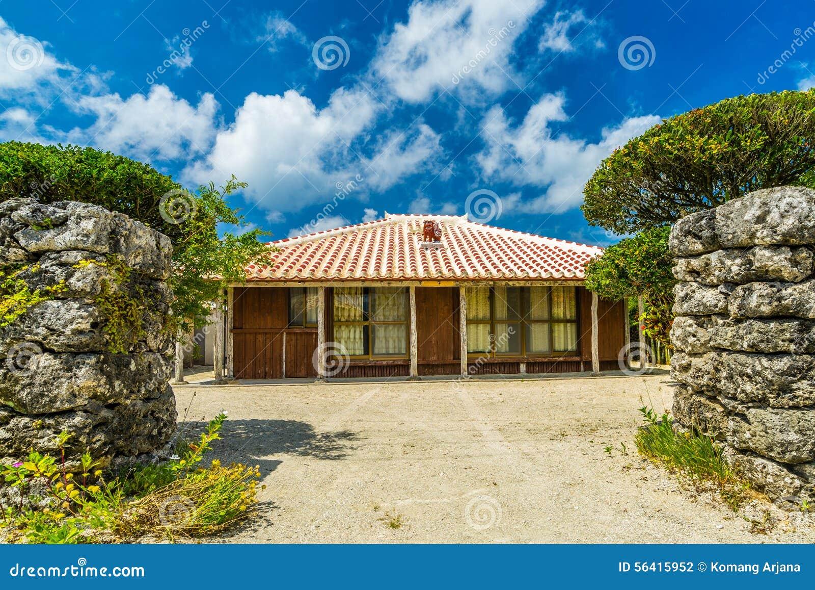 一个传统村庄在竹富岛,冲绳岛日本小海岛