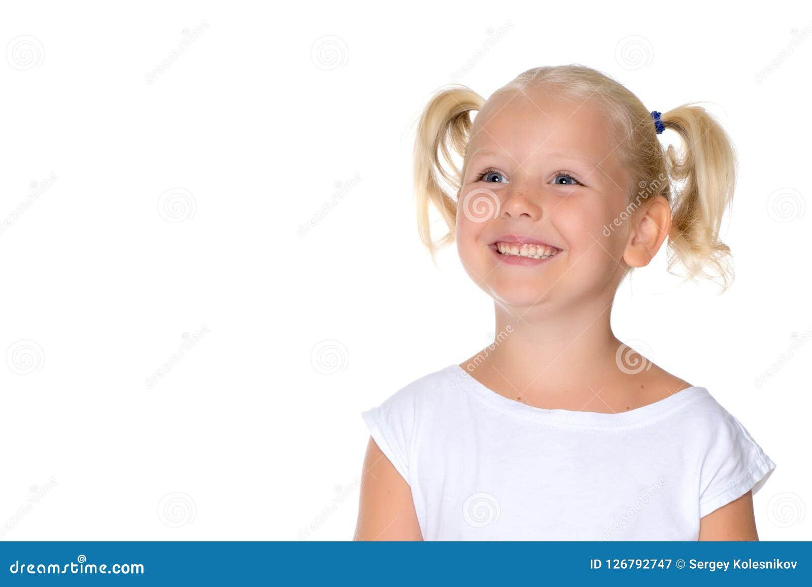一个小女孩特写镜头的画象