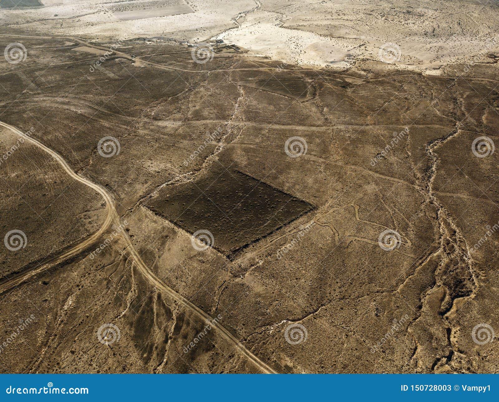 一个沙漠风景的鸟瞰图在兰萨罗特岛,加那利群岛,西班牙海岛上的  沙漠背景,纹理