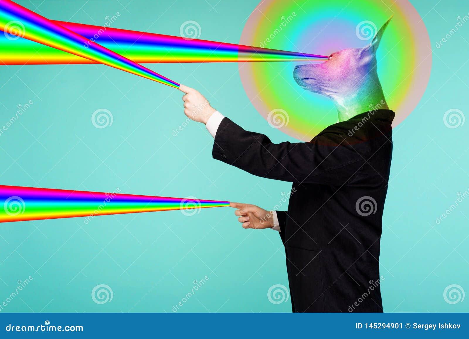 一个男性商人的荧光的拼贴画画象与从手指的中国有顶饰狗射击彩虹激光的头的和