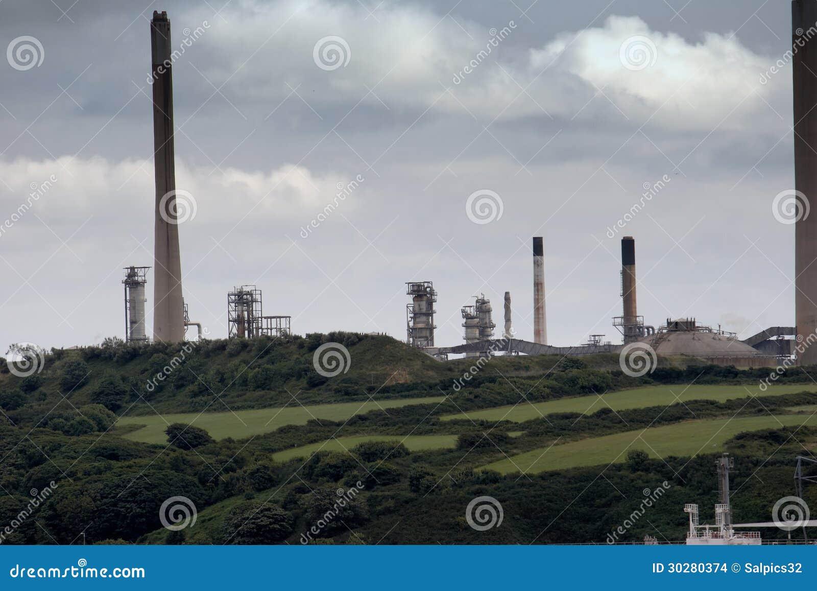 精炼厂在乡下