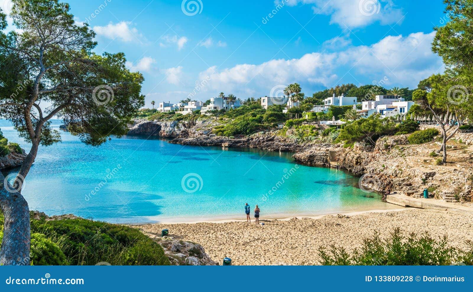 一点海滩卡拉市埃斯梅拉达岛,卡拉市d'或城市,帕尔马马略卡,西班牙