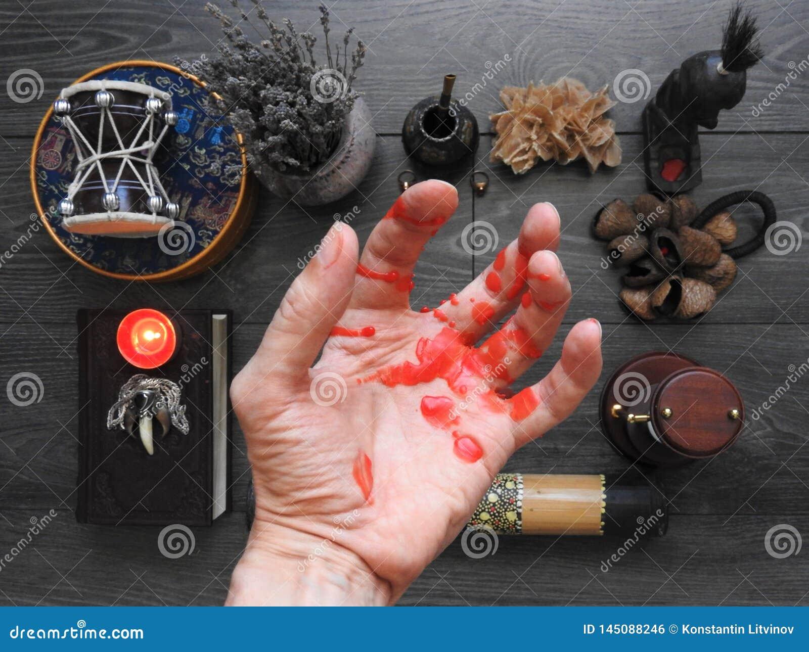 一种不祥的神秘的仪式 魔术师的手 秘密主义 ?? 万圣节的概念 不可思议