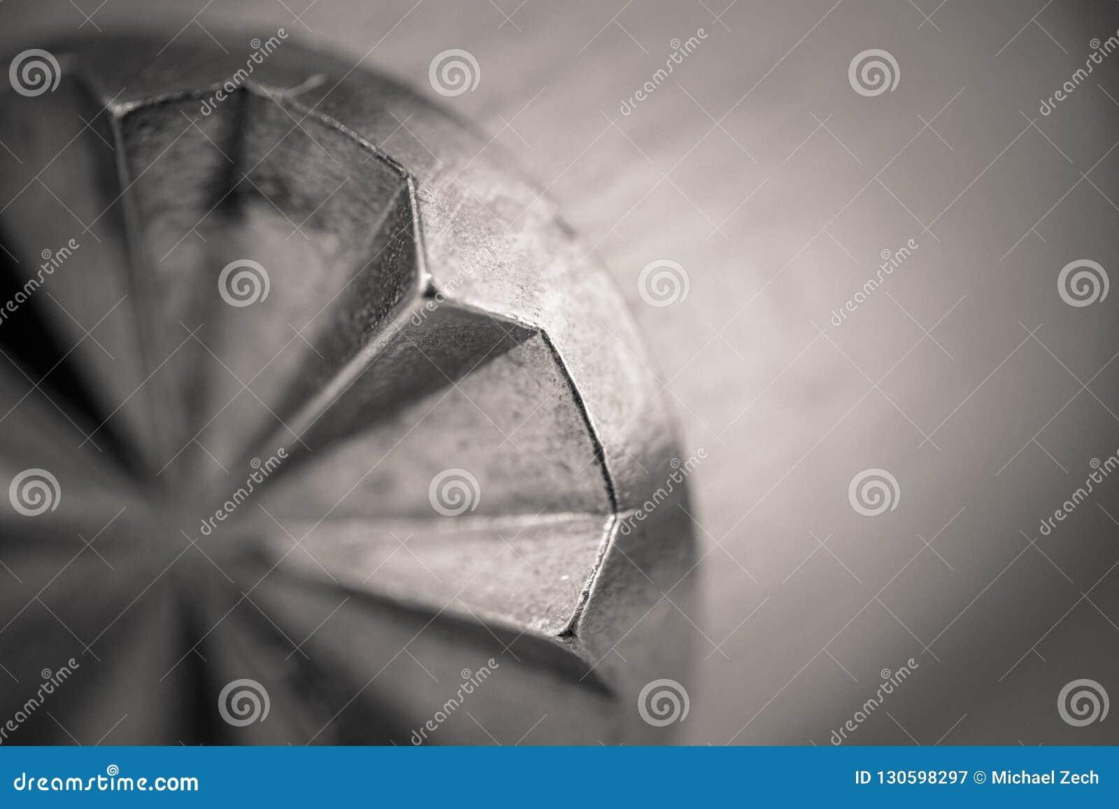 一种木肉软化剂的Monocrome宏观射击,金属末端
