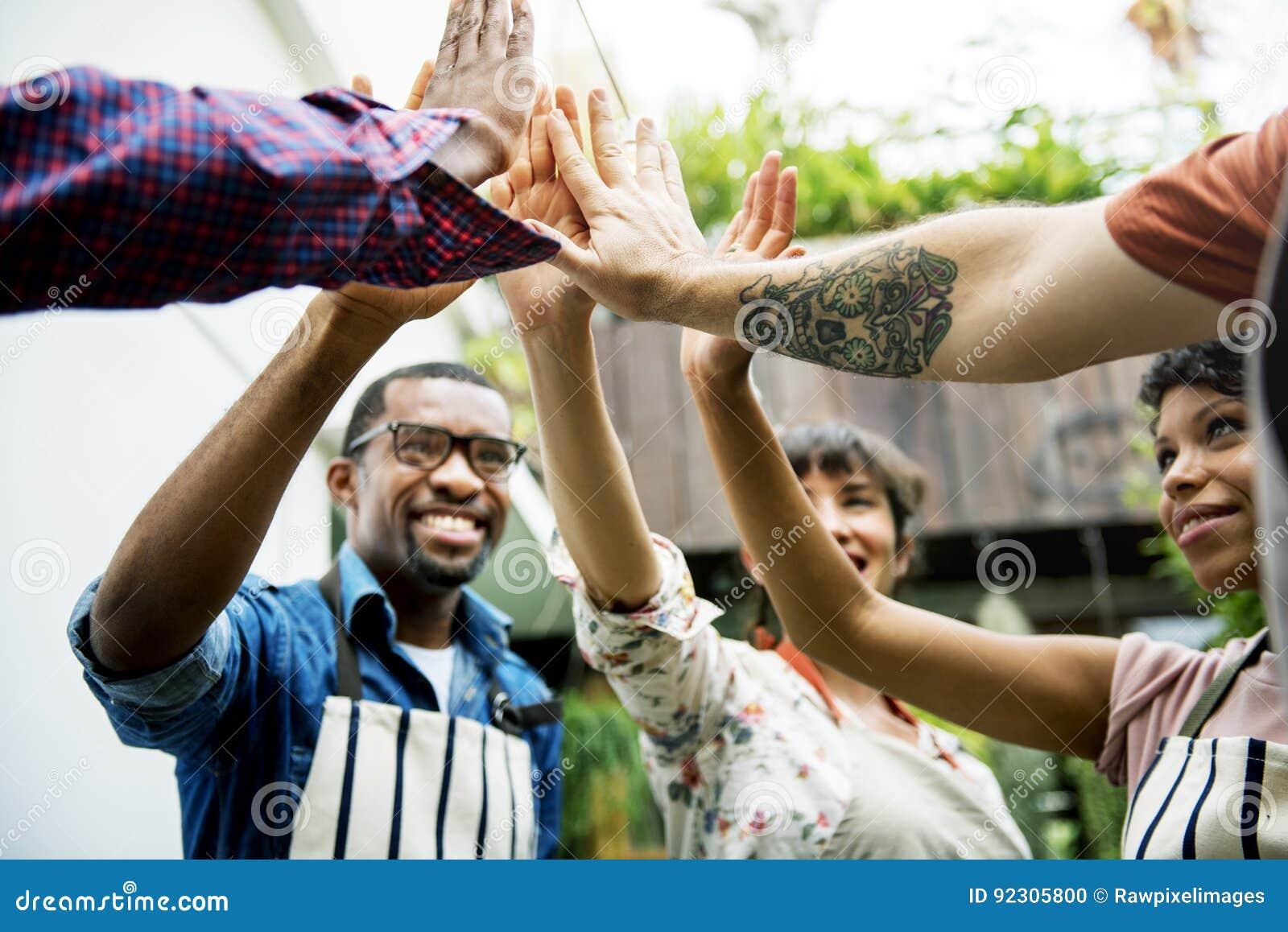 一起政治共同体的拥护社会团体