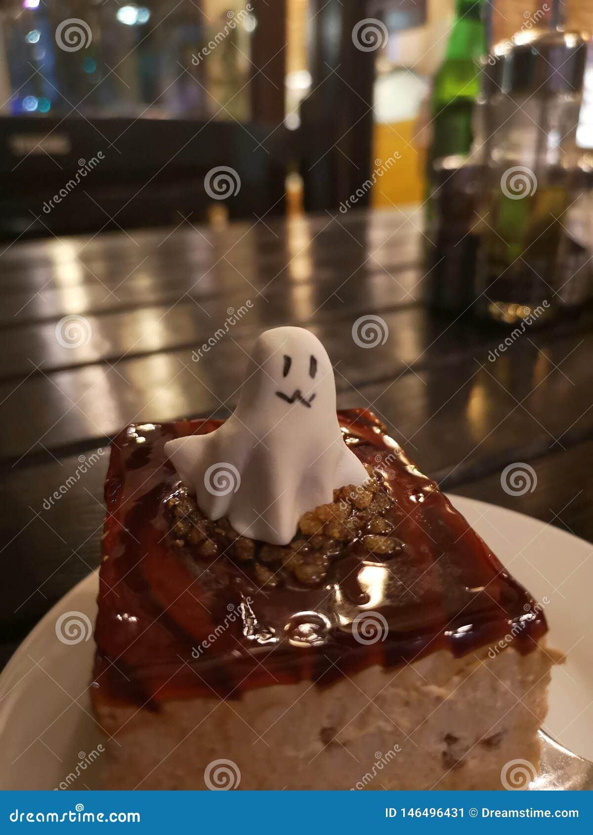 万圣节幽灵蛋糕