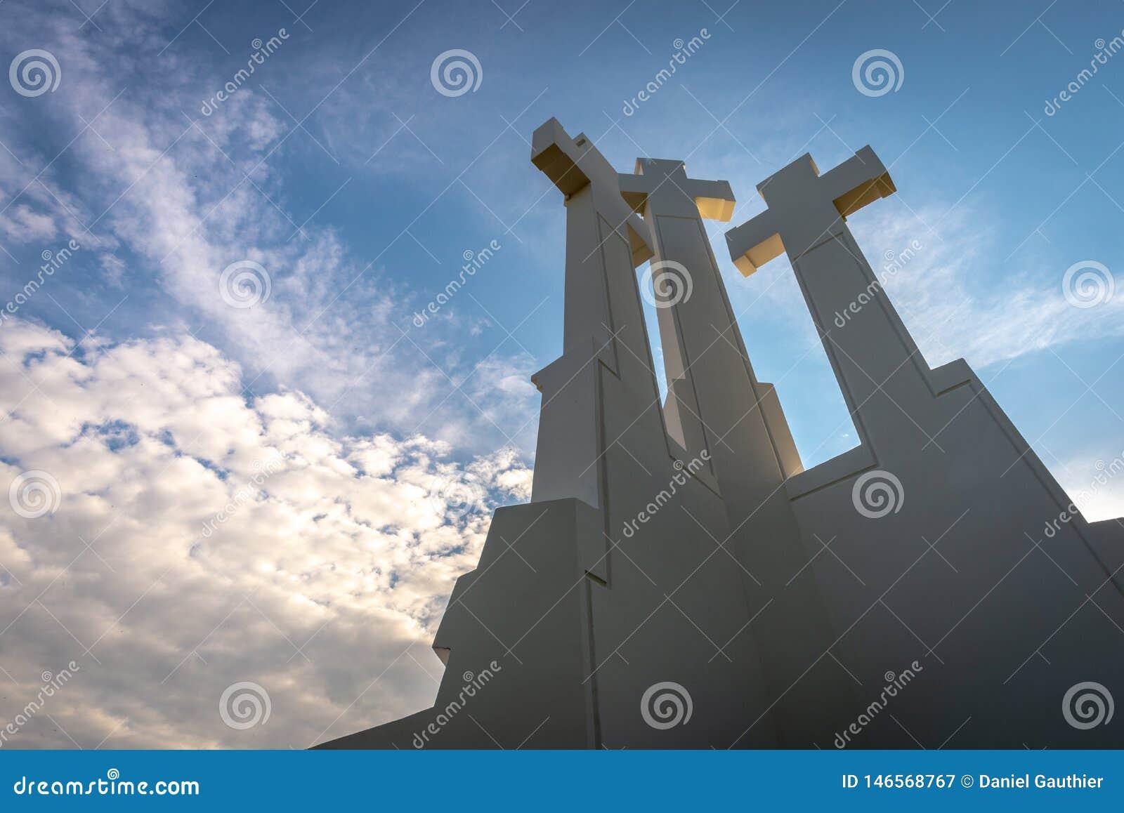 三个十字架纪念碑在维尔纽斯