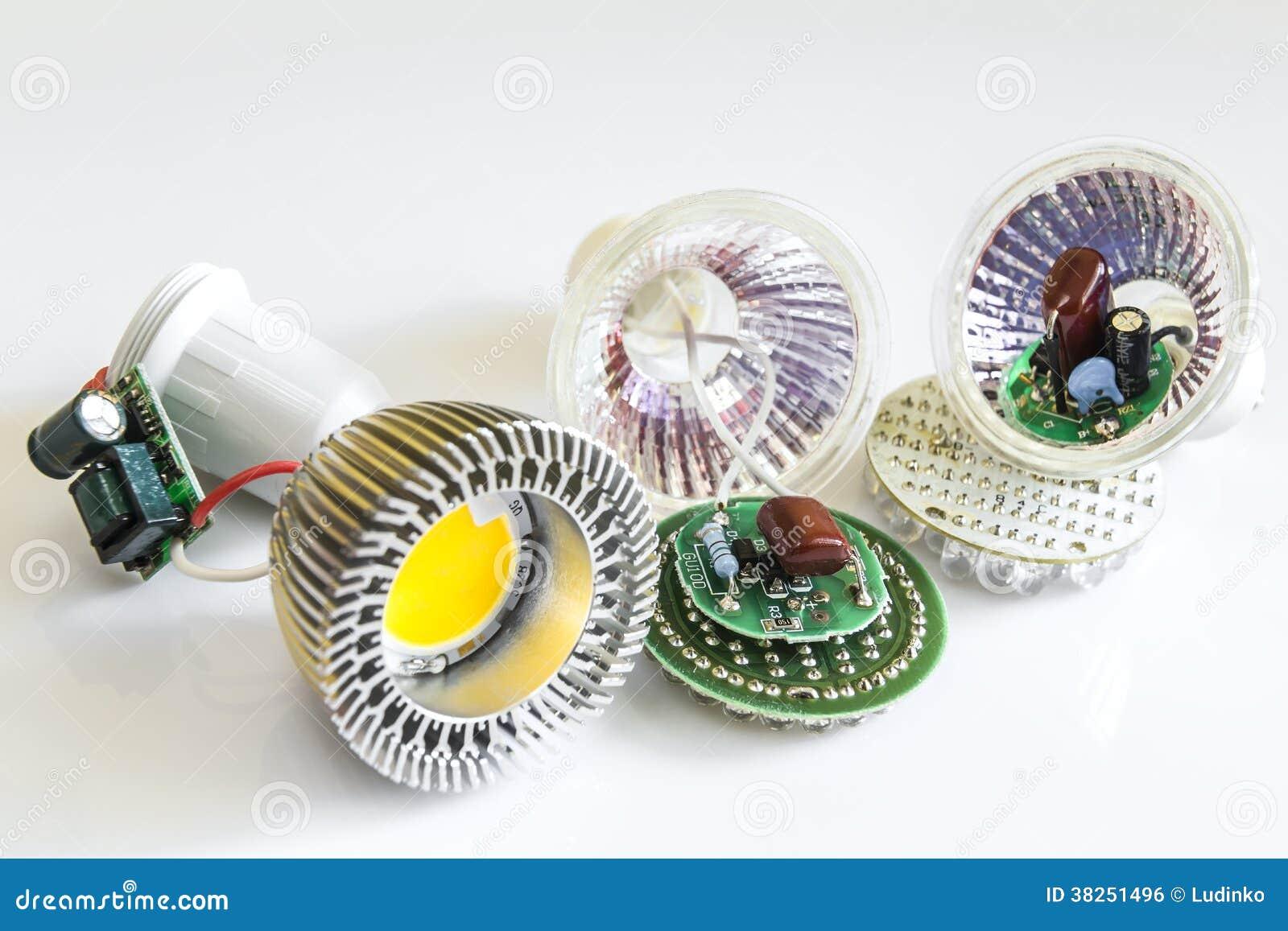三在GU10 LED电灯泡的各种各样的电子