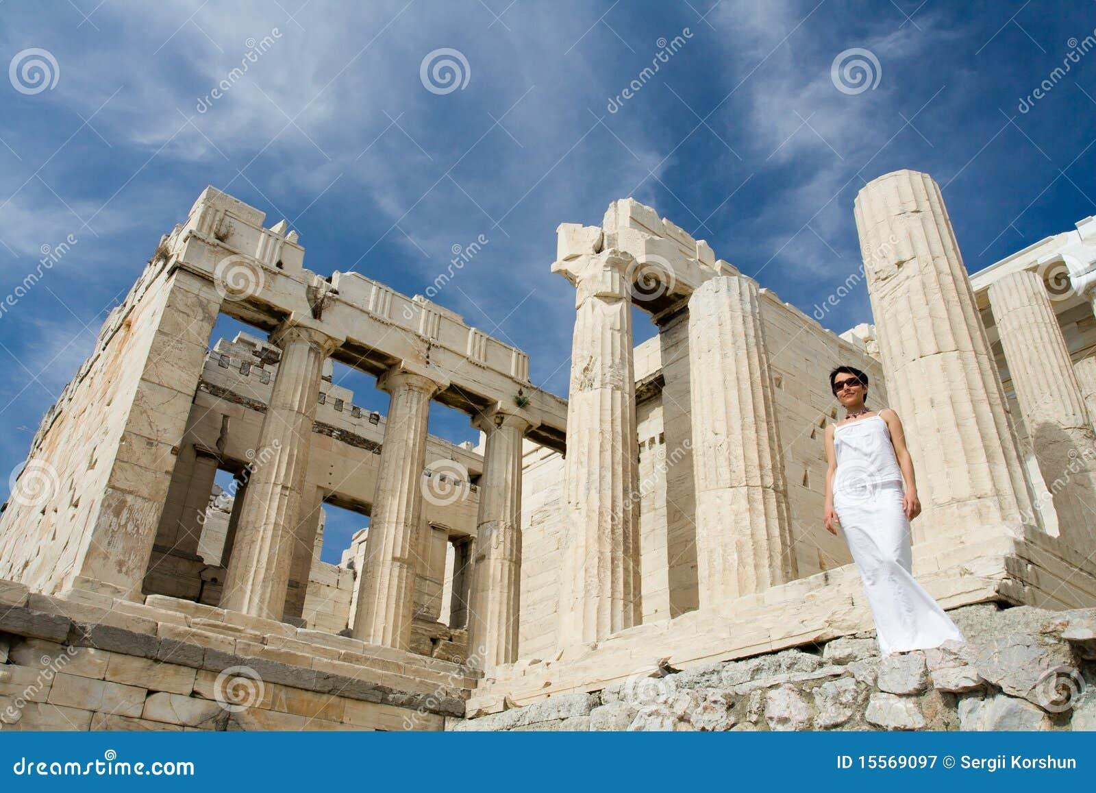 上城雅典列临近propylaea妇女