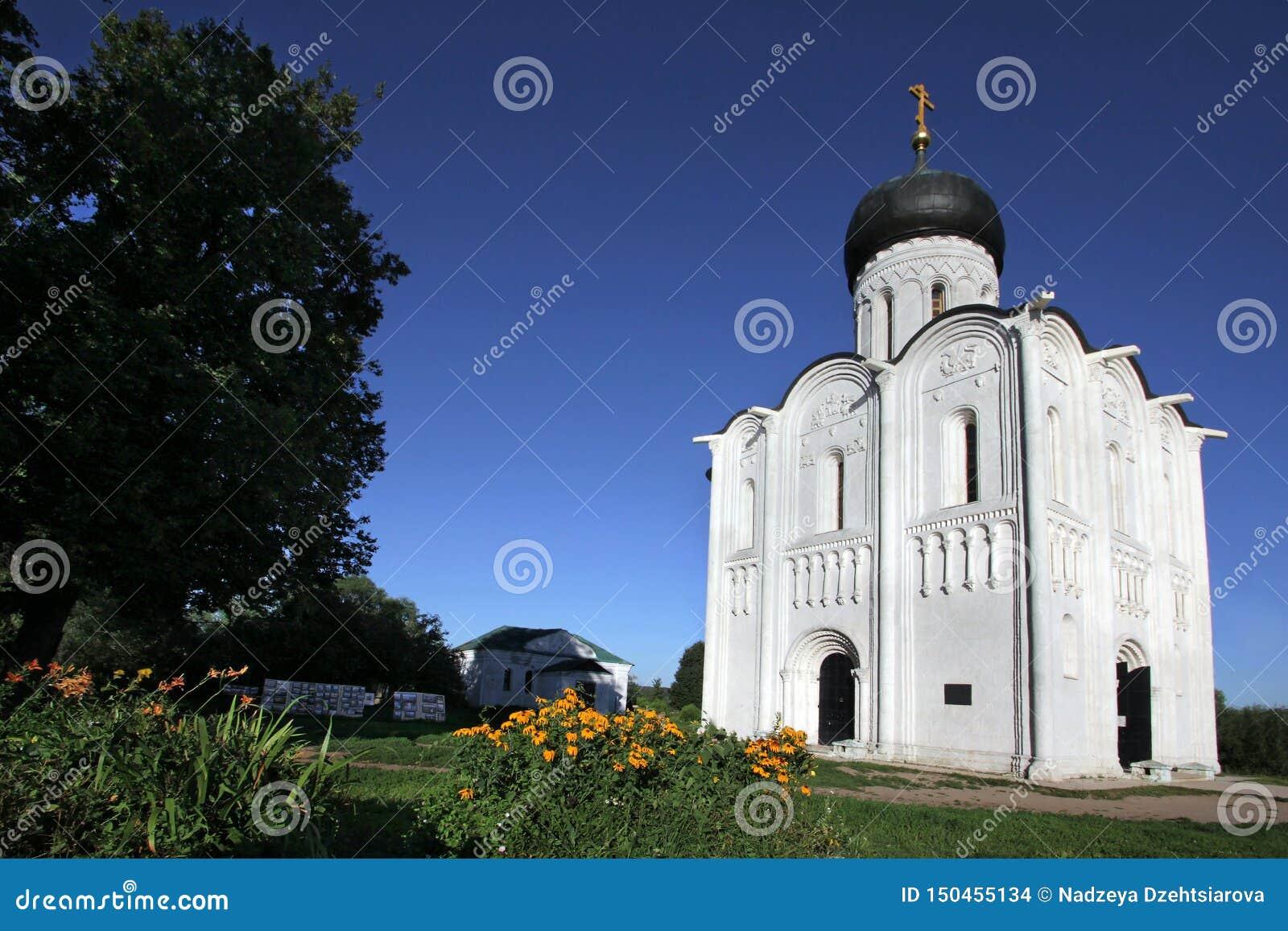 上帝的最圣洁的母亲的调解的白色石教会Nerli的12世纪