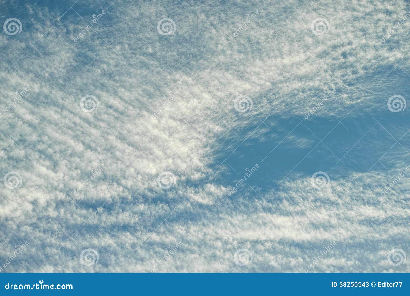 与云彩的蓝天