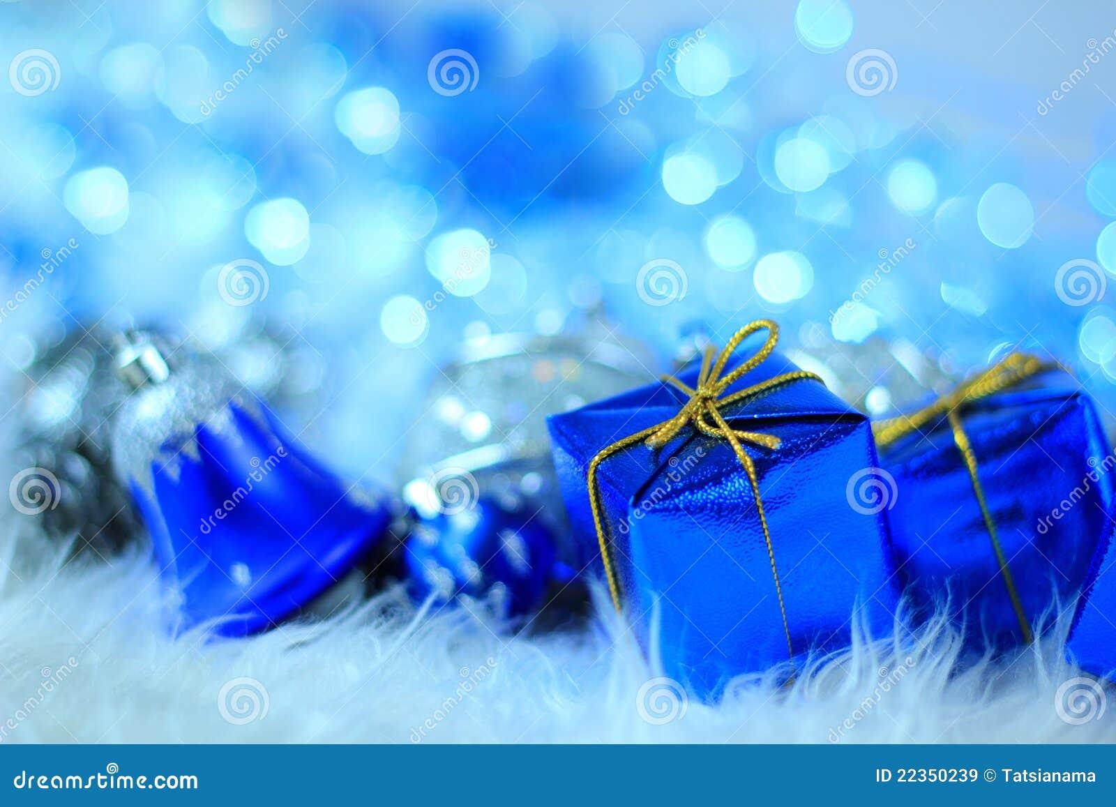 与圣诞节装饰的礼物盒