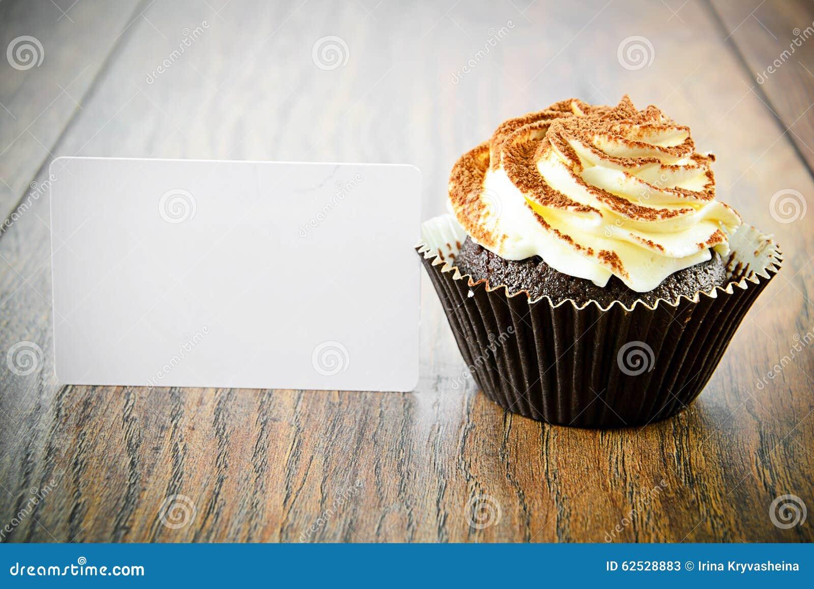 与奶油,在伍迪的杯形蛋糕的蛋糕