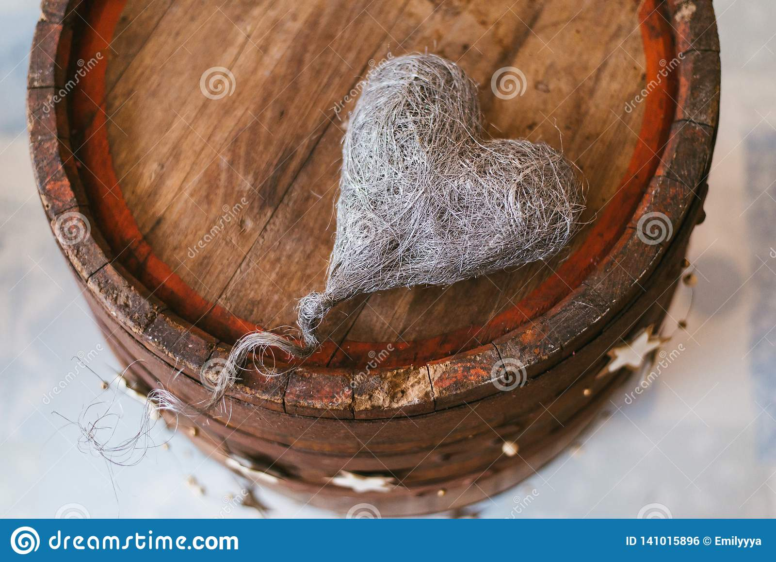 与心脏的葡萄酒装饰