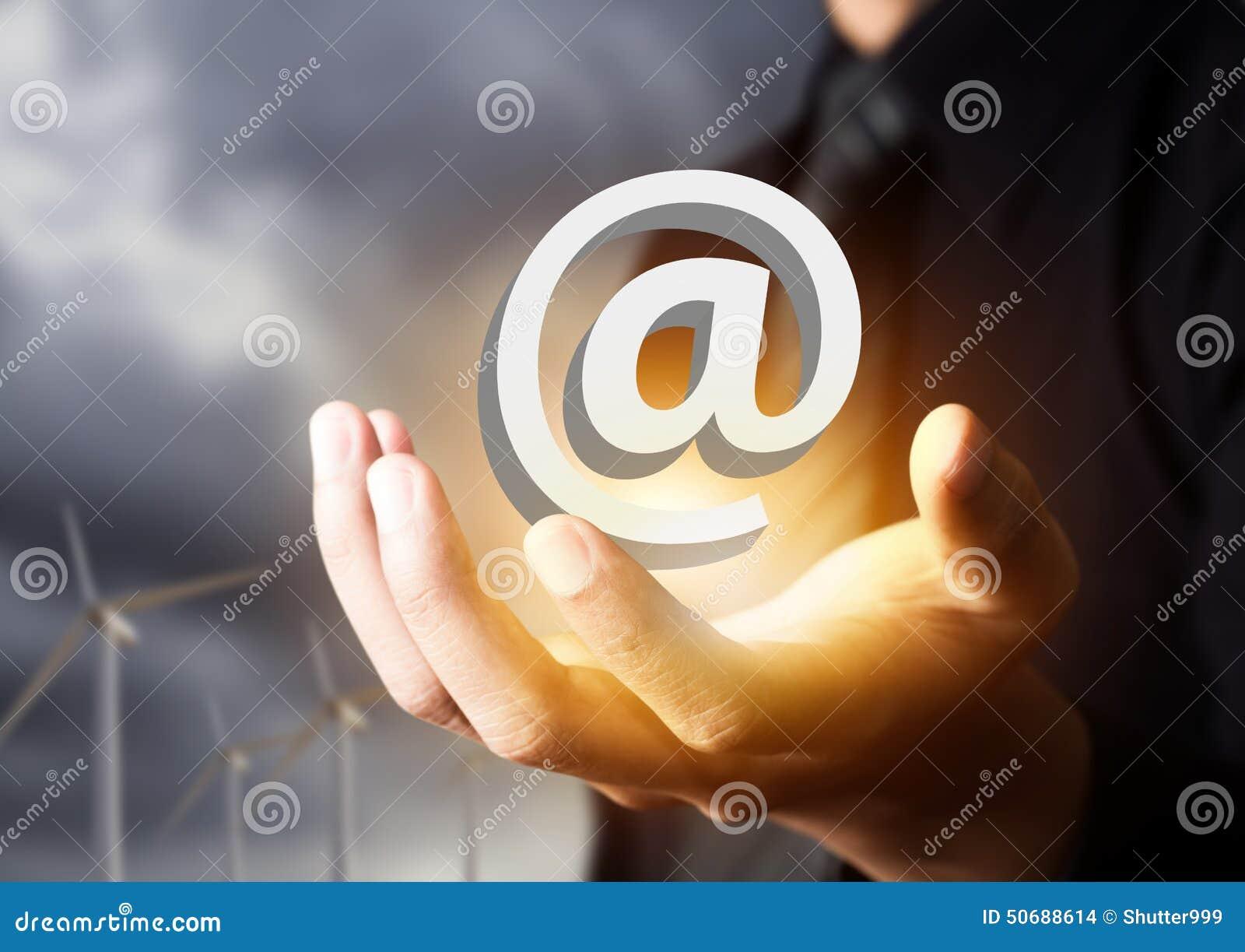 Download 与我们联系象在商人手上 库存照片. 图片 包括有 互联网, 计算机, 概念, 关心, 钞票, 商业, 反馈 - 50688614