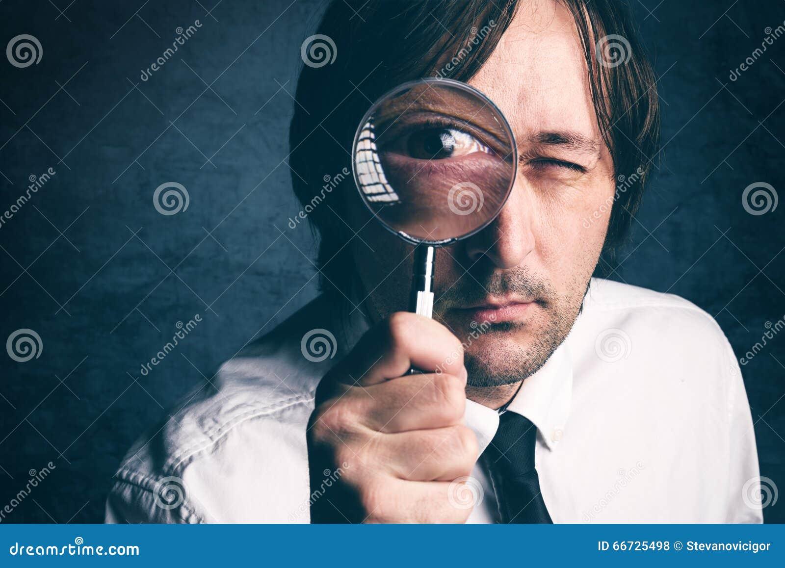 与放大镜,税审查员做的商人财政