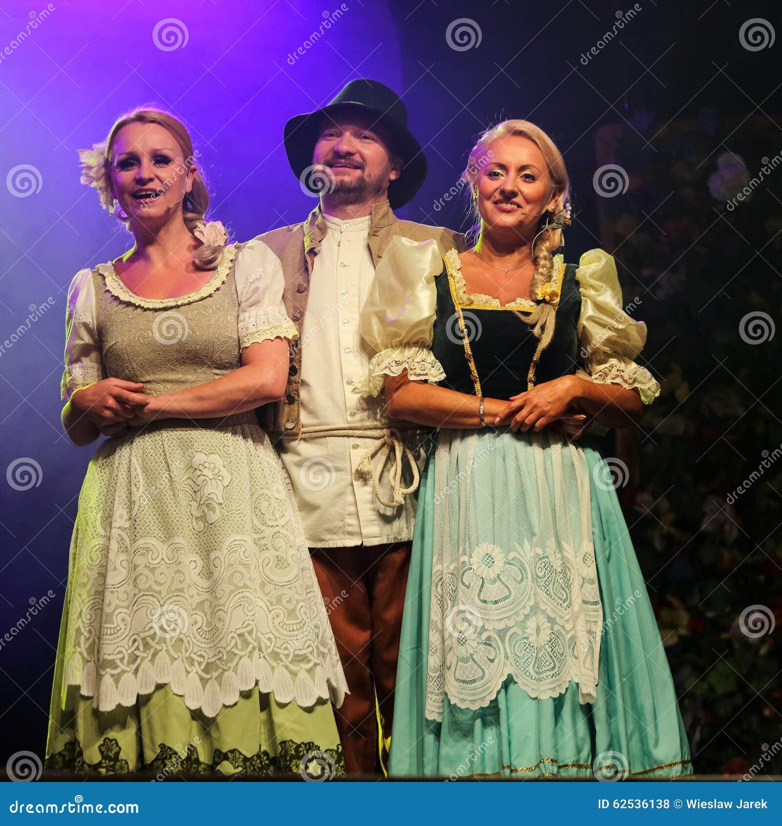 与歌剧的假日会议在Hucul小马Gladyszow育马场在Regietow 波兰