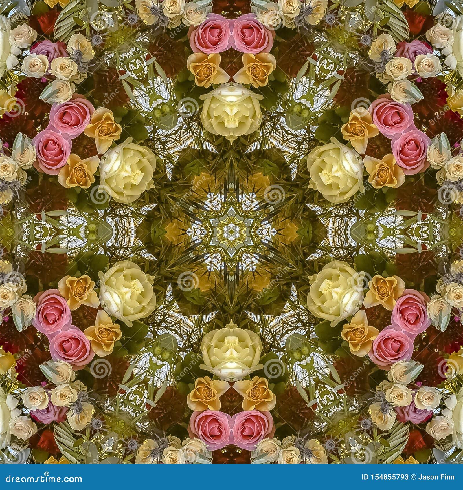 与玫瑰的正方形花卉设计在一个婚礼在加利福尼亚
