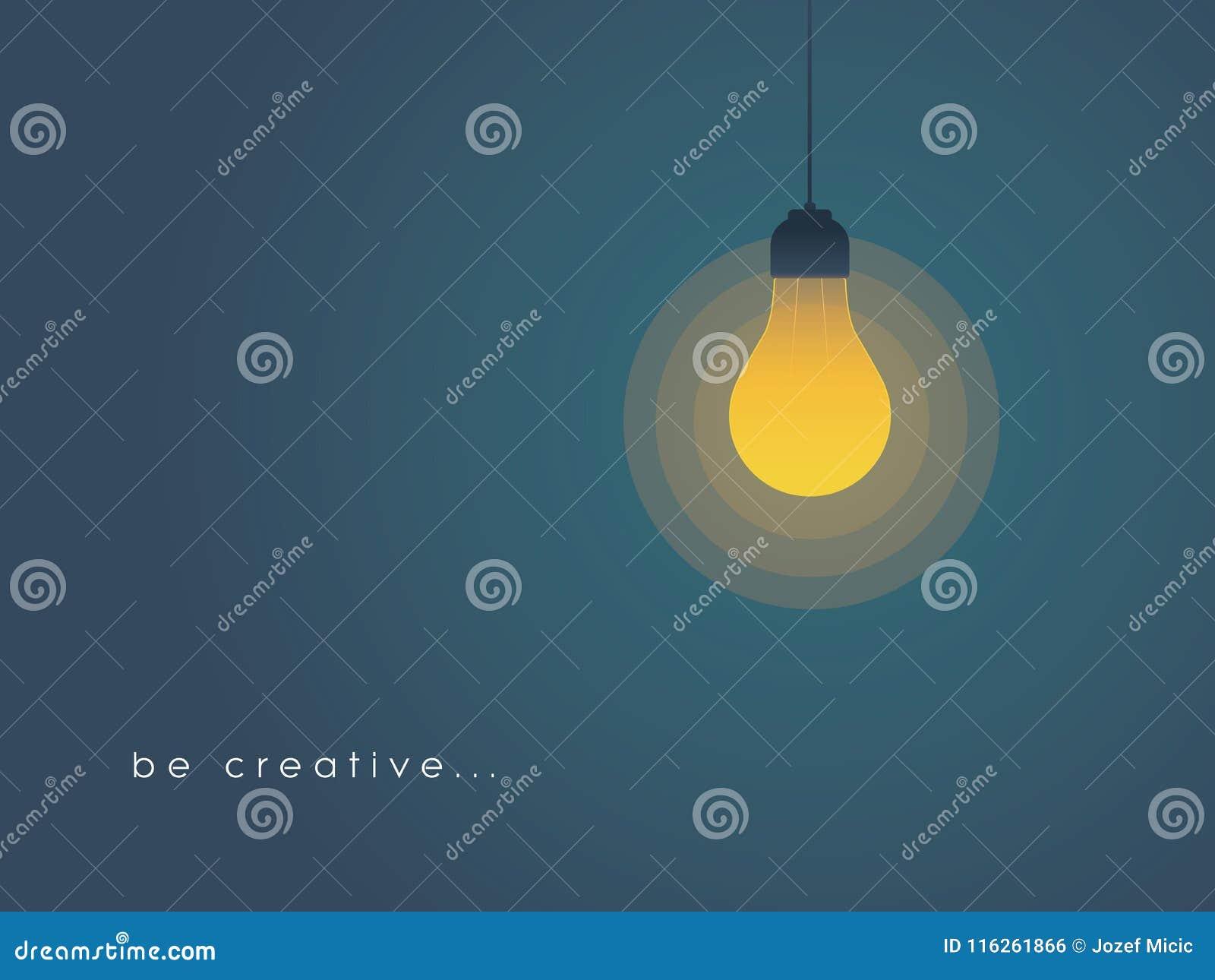 与电灯泡的创造性概念 新,新,创造性的想法概念