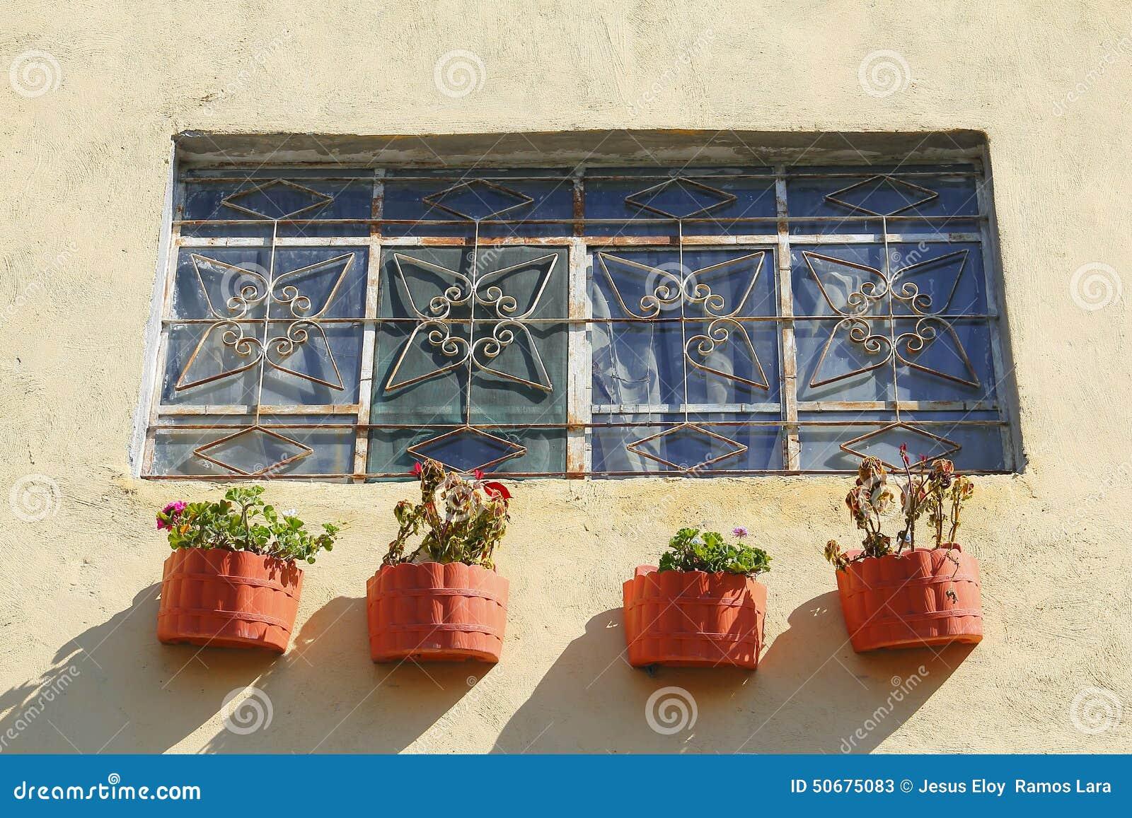 Download 与罐的窗口我 库存图片. 图片 包括有 工厂, 状态, 普埃布拉, 目的地, 拱道, 墨西哥, 户外, 视窗 - 50675083
