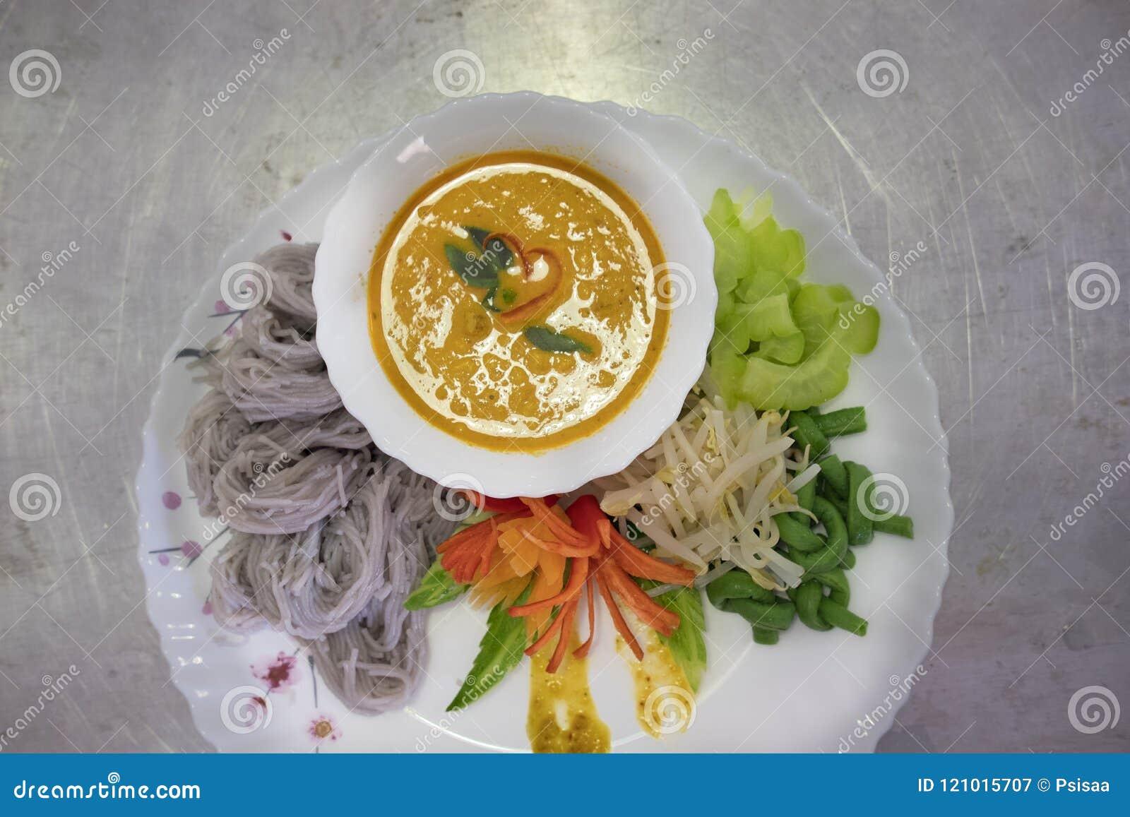 与自然草本颜色的泰国细面条 米线, vegetabl