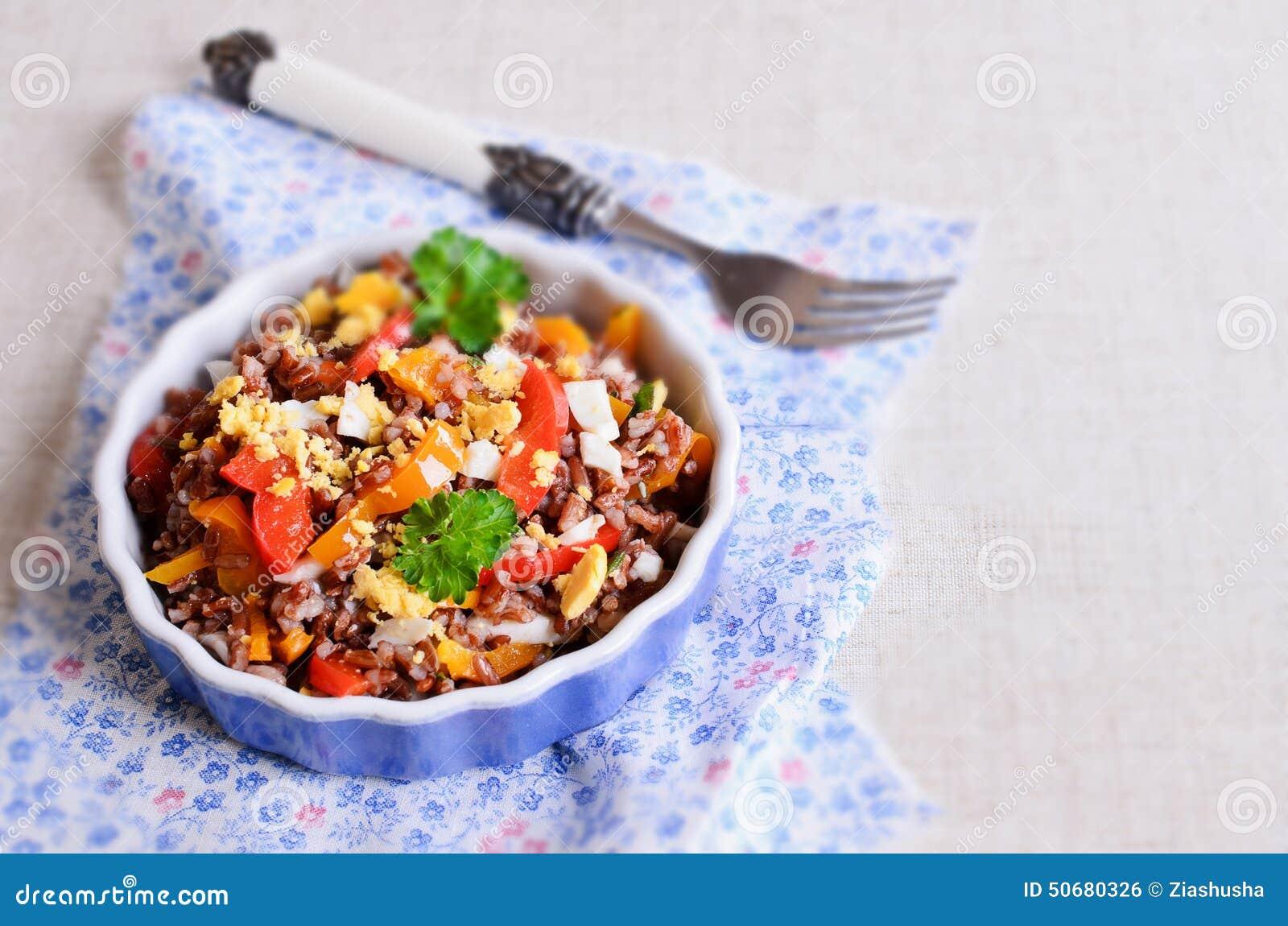 Download 与菜和鸡蛋的糙米 库存照片. 图片 包括有 装饰, 谷物, 美食, 正餐, 汉语, 捷克人, 烹调, 叶子 - 50680326