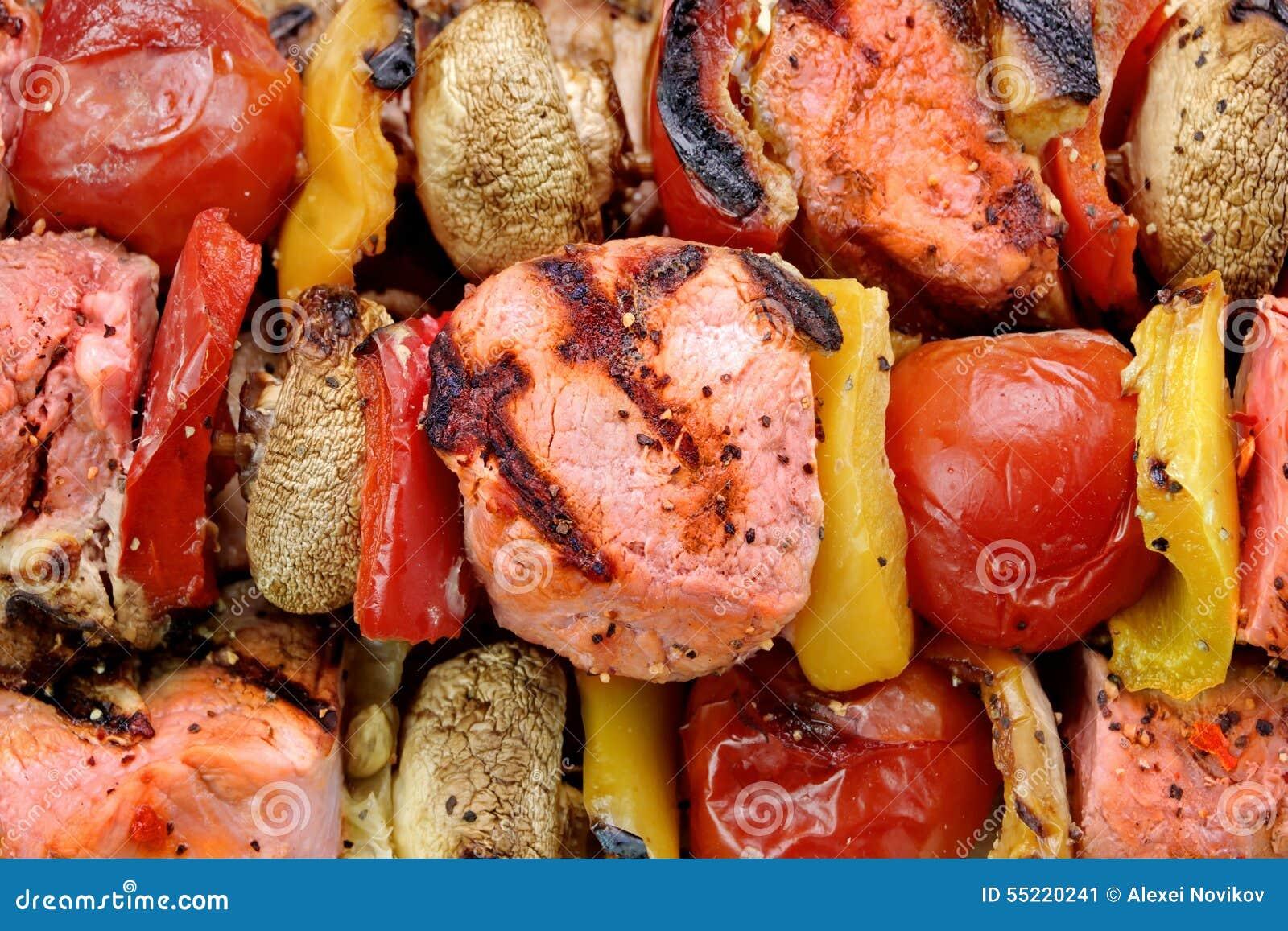 与菜猪肉烤v猪肉的bbqkebabs生猪肉碗图片