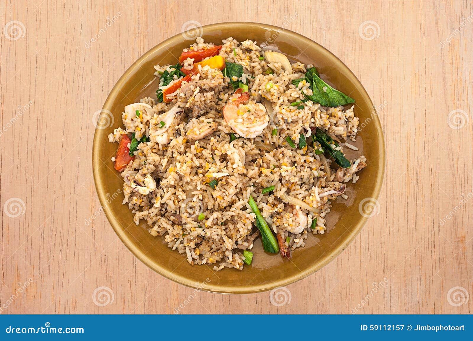 与菜的虾炒饭
