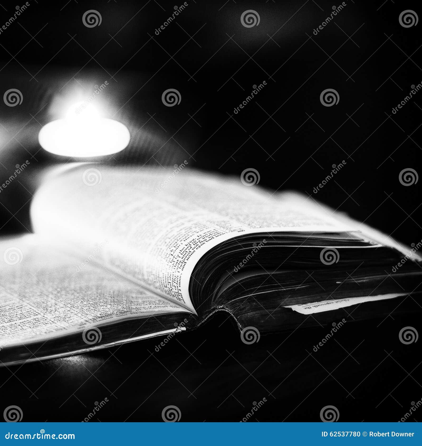 与蜡烛的圣经