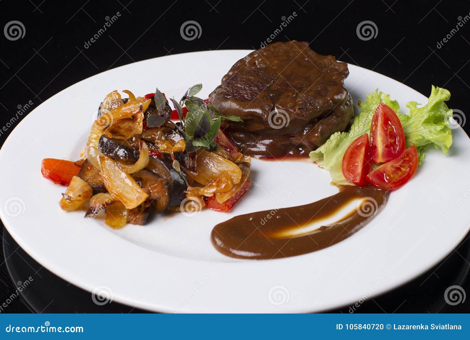 与被炖的菜的肉