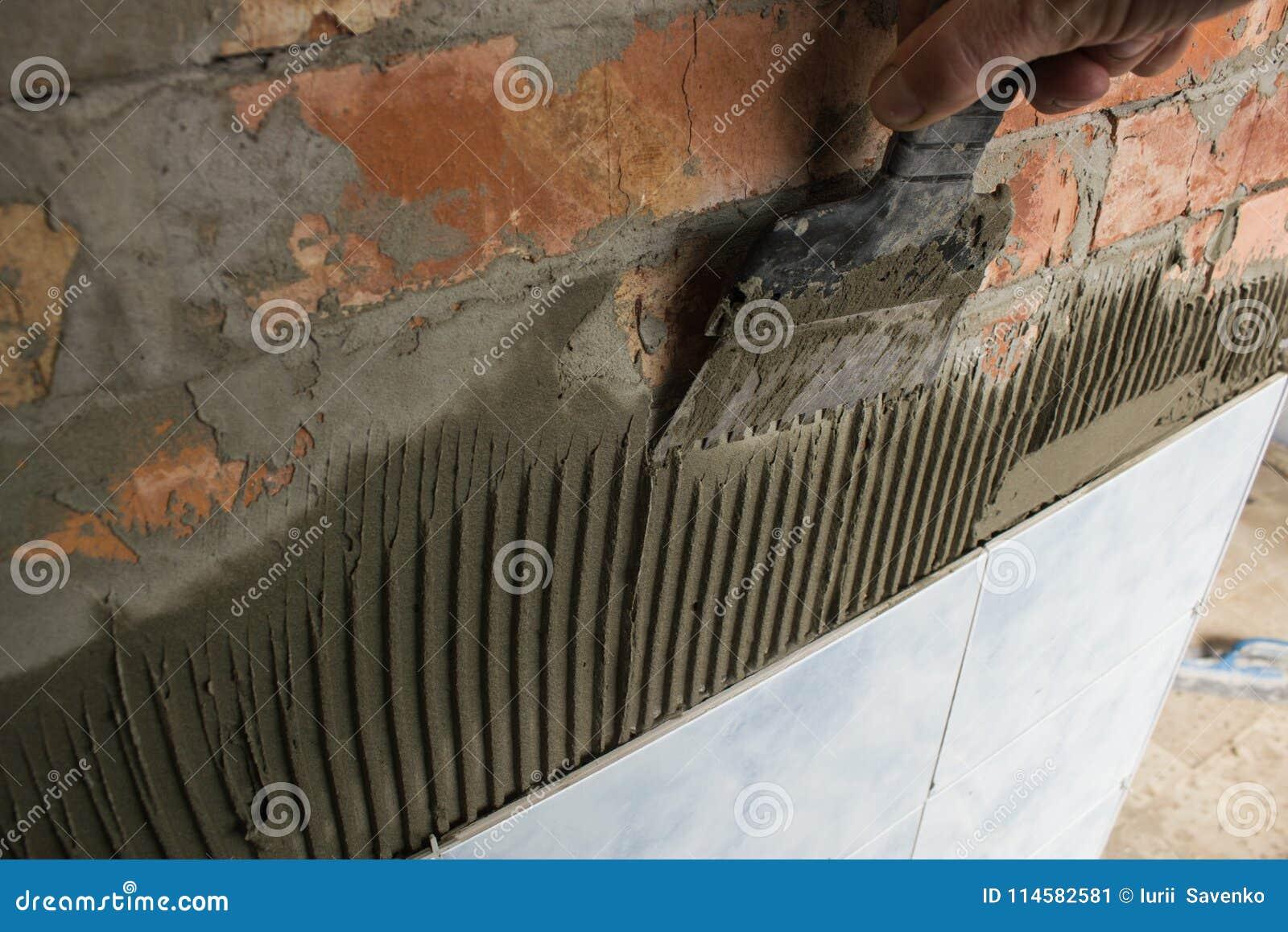 与铺磁砖卫生间墙壁的灰浆一起使用