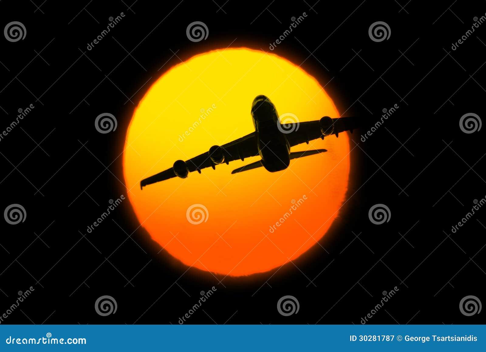 与飞机的美好的日落