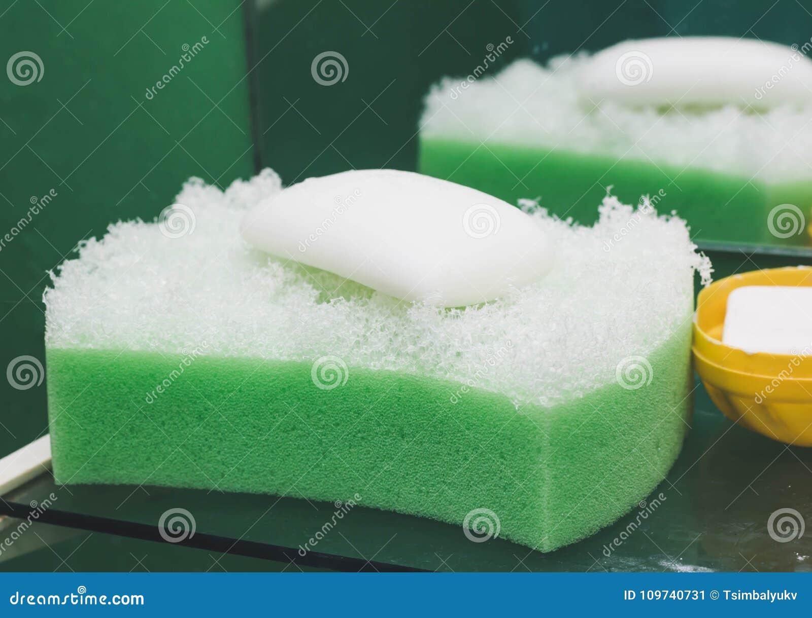 与麝香草肥皂的自然逆风行驶海绵