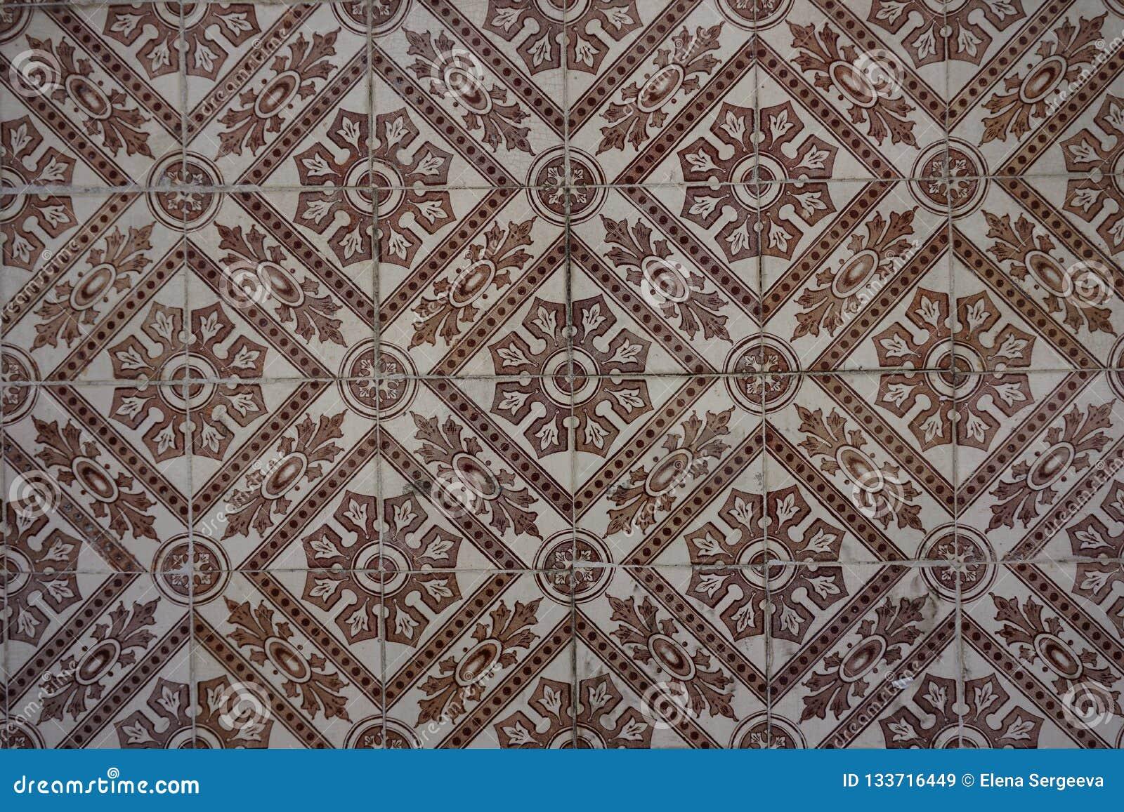 与unicolorous棕色装饰品的Azulejos